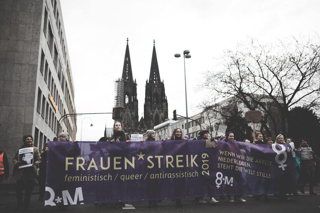 Inicio de la marcha en la plaza de la Catedral de Colonia. Foto de Marcos Angeloni