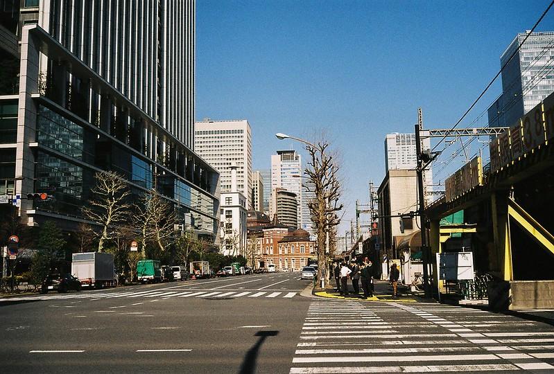 Leica M2+Leitz Summicron 35mm f2 0+Kodac Ultramax 400有楽町駅前高架下から見た東京駅