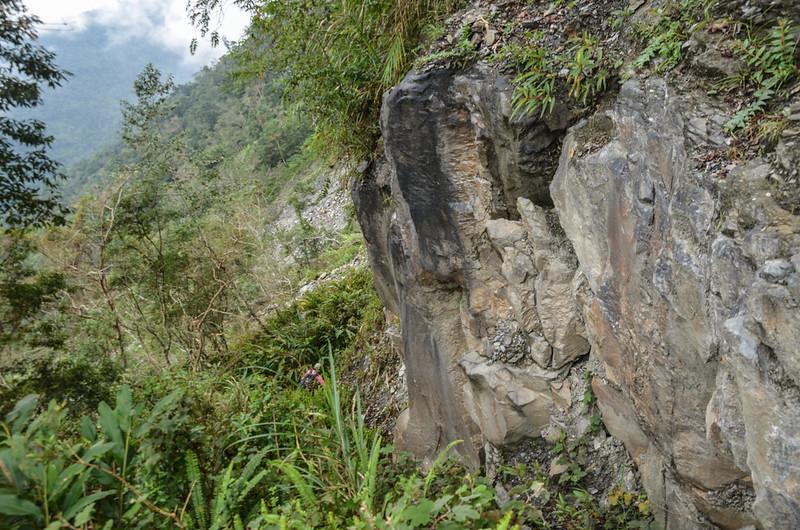 戶張山裸岩斷稜山頭下岩石坡地形 (5)