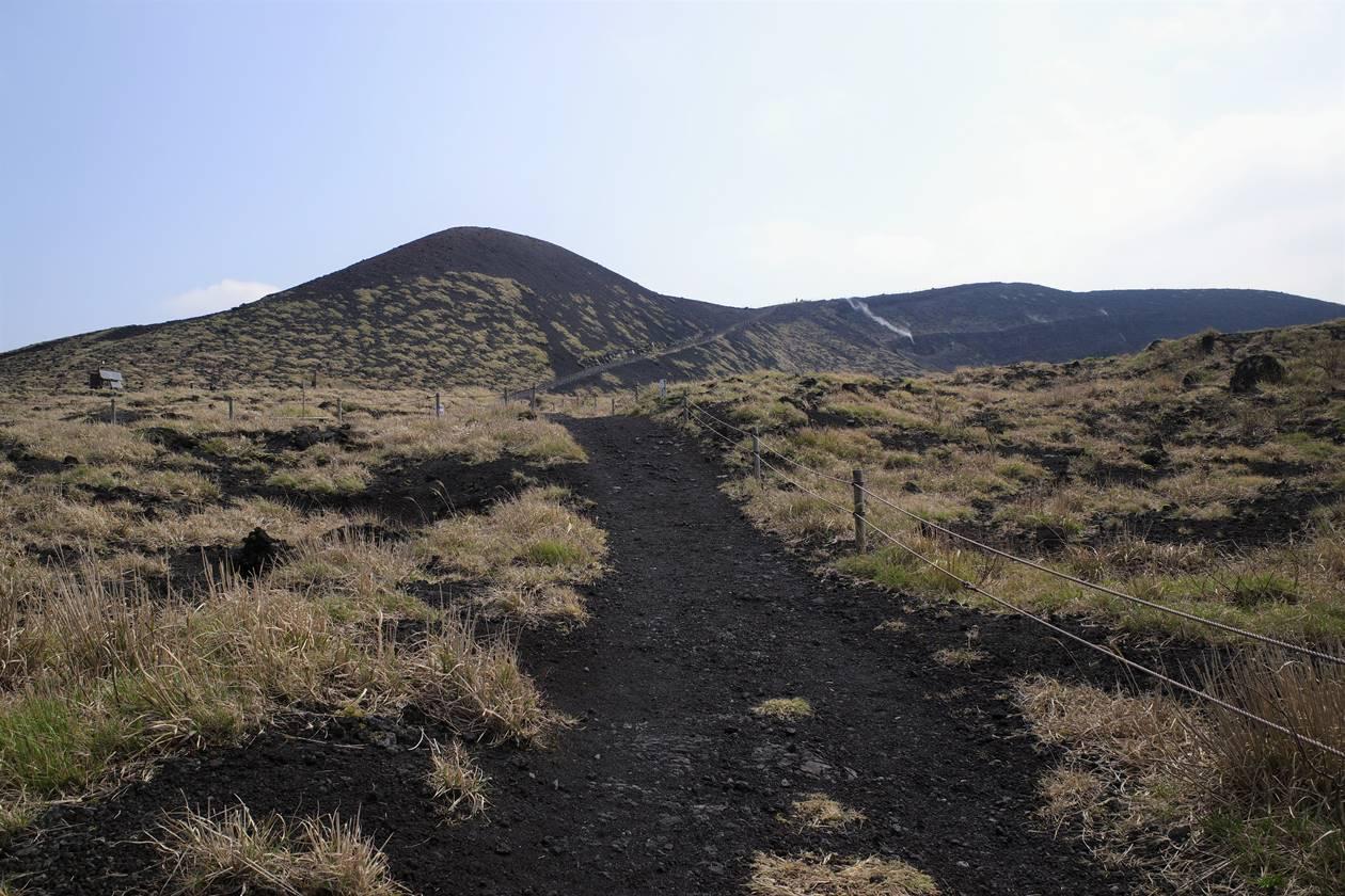 伊豆大島・三原山火口周回コース