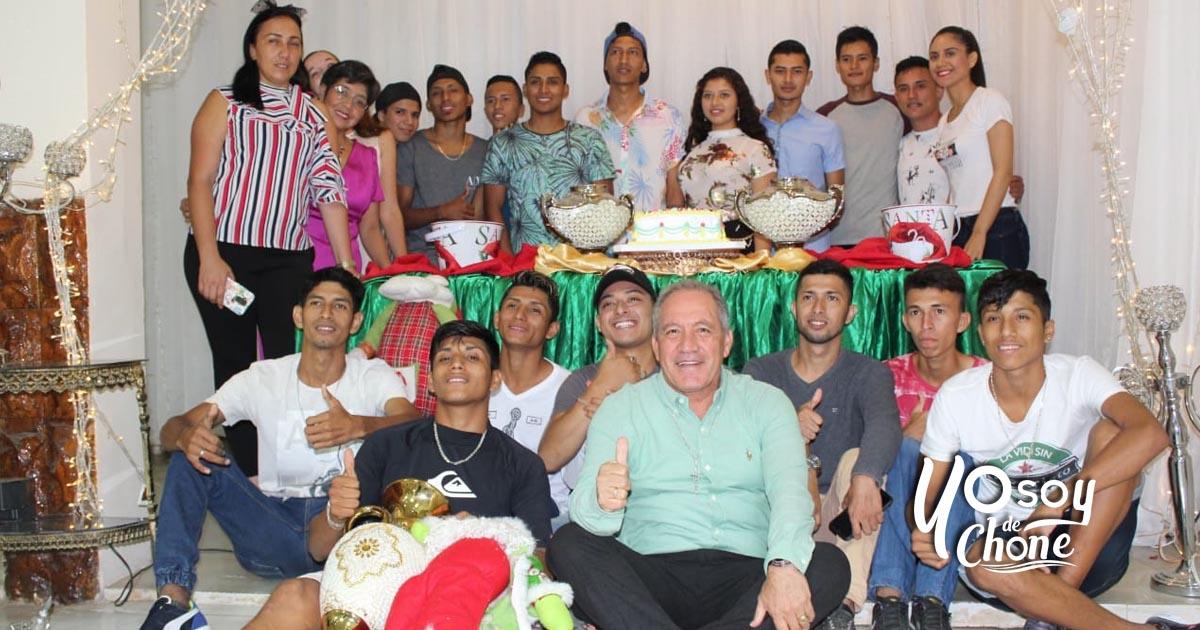 Cena de Confraternidad con integrantes de Agrupación Juvenil Cdla. 30 de Marzo