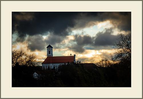 Dunkle Wolken...  (Dark clouds...)