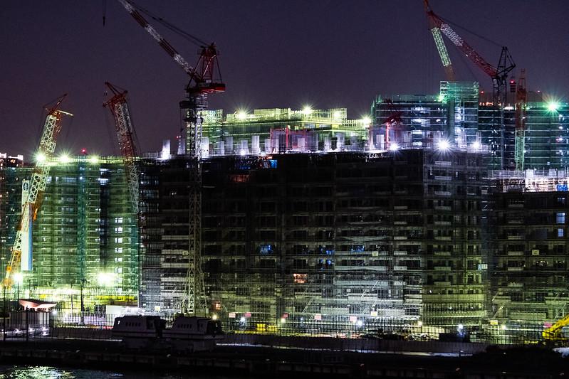 晴海の工事現場の夜景