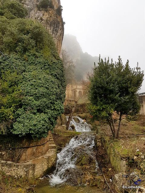 Disfrutando de Tobera y sus cascadas (11)