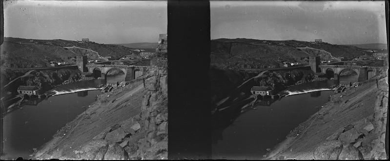 Puente de San Martín en Toledo visto desde Roca Tarpeya el 24 de febrero de 1918. Fotografía de Carles Batlle Ensesa © Ajuntament de Girona. CRDI (Carles Batlle Ensesa)