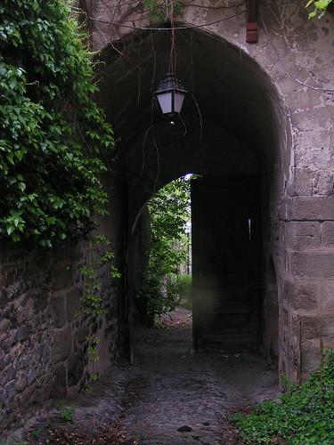 20080515 23293 0905 Jakobus Tor Eingang Lampe