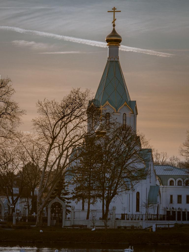 Le soir sur l'eglise orthodoxe.... 33379797928_4ecd7204fd_b