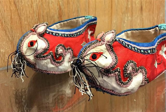 lanneau bunny slippers