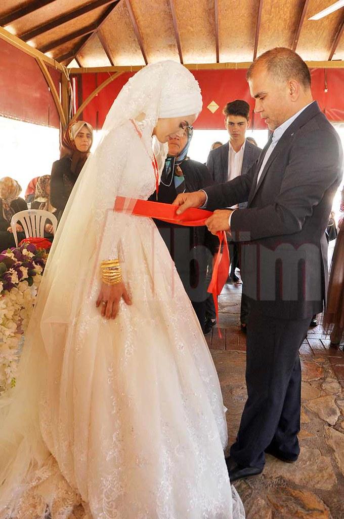 Ayşegül ve Uğur evlendi