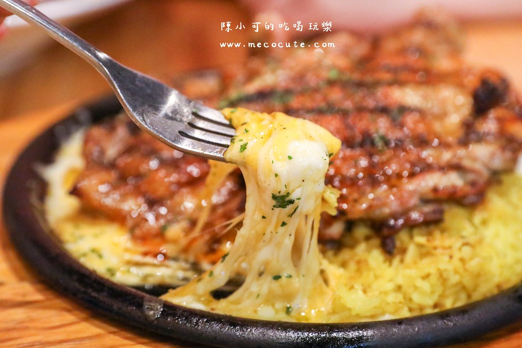 台北美食:A.K.12 美式小館,隱藏在二樓的美式餐廳,聚餐推薦!西門町餐廳