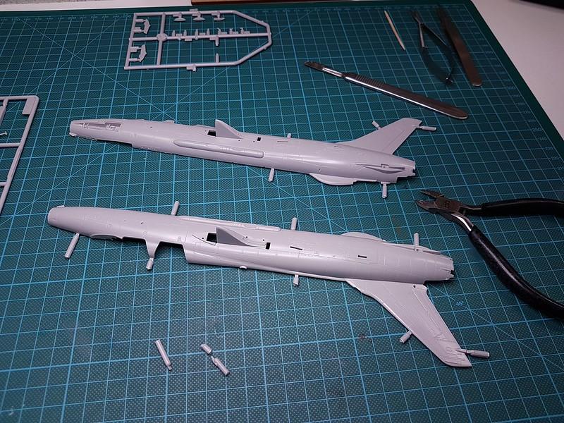 Trumpeter 1/72 F-105G Wild Weasel 46564414882_1b700f0a0c_c