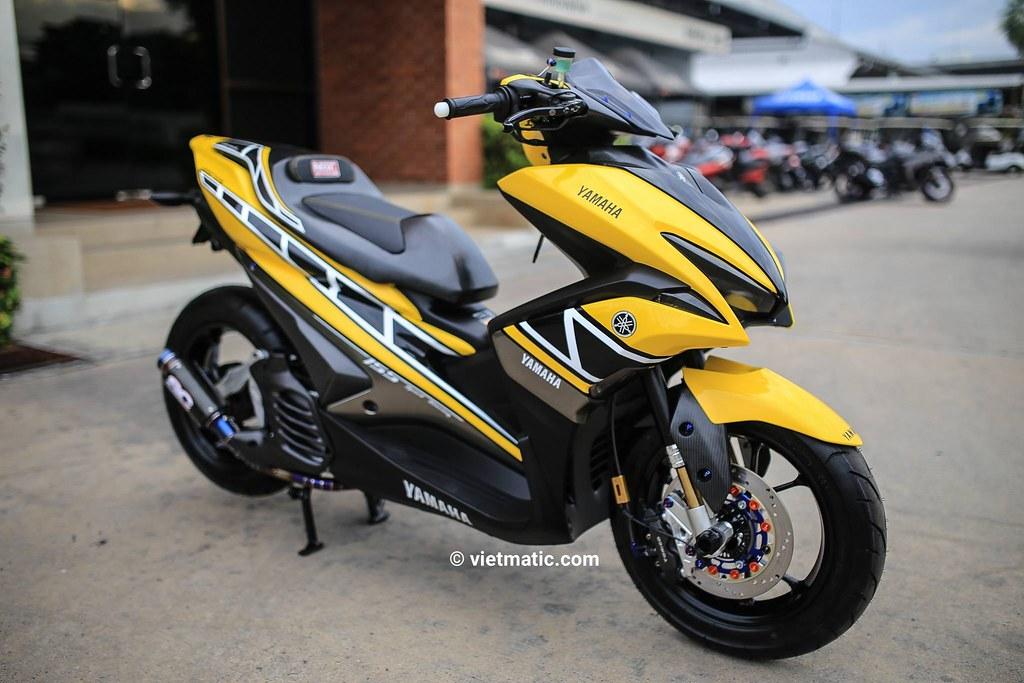 Yamaha NVX được độ lại với tông màu vàng chủ đạo