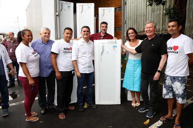 31.01.2019 Prefeitura recebe da ALEAM 80 geladeiras para vítimas do incêndio do Educados.