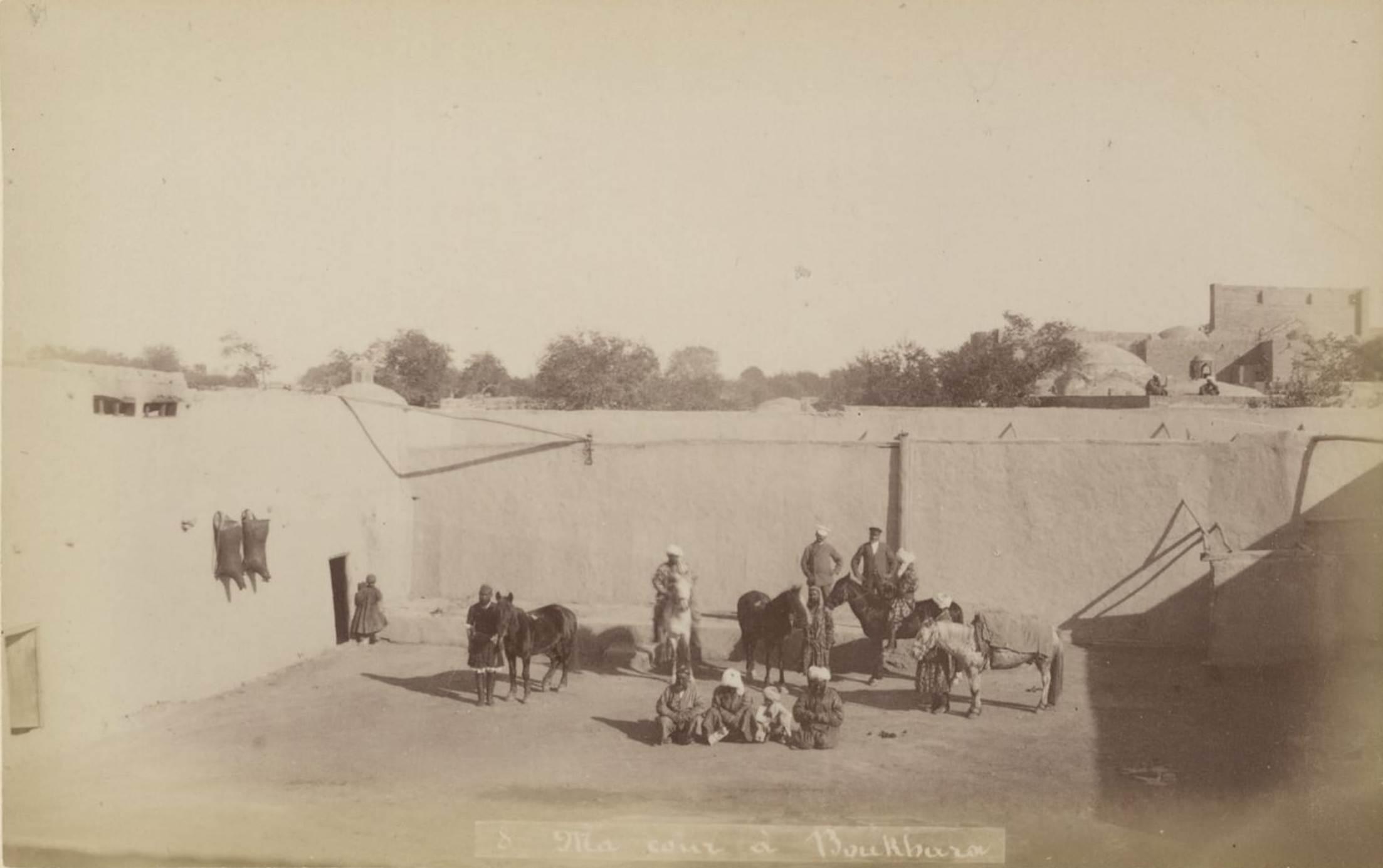 08. Мой двор в Бухаре