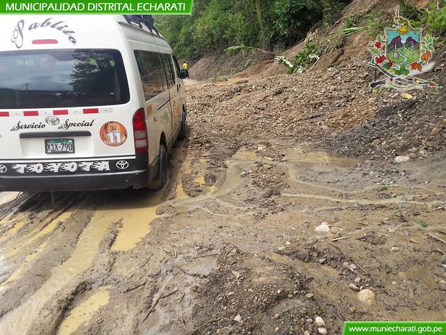 Limpieza de derrumbes en el sector de Monte Carmelo en la Margen Izquierda