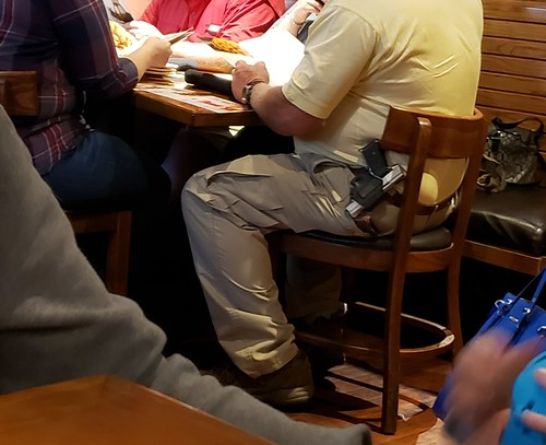 at an outback in davie fl guy is oc ing ar15 com ar15 com