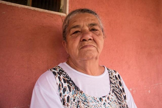 """""""Meu neto está ali dentro da lama"""", lamenta moradora de Córrego do Feijão (MG)"""