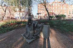 Éire Memorial (1974) By Jerome Connor (1874-1943)[Restored And Relocated Within Merrion Square Park]-148897