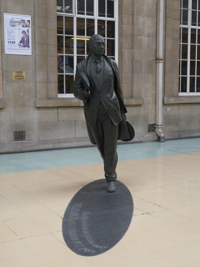 Bronze statue of the poet Philip Larkin, Hull Station