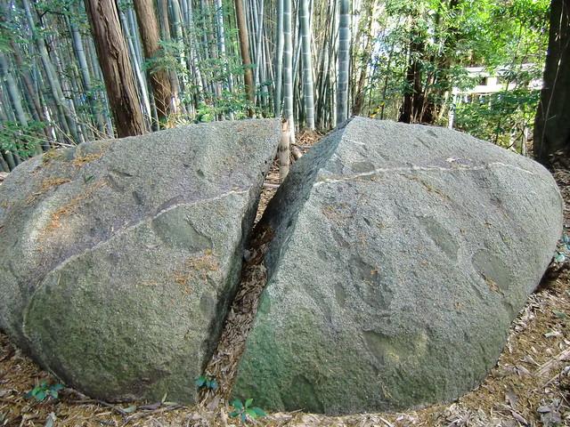 飛鳥の石造物群