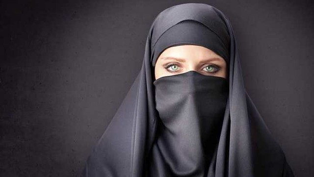 4883 10 things you should never say to someone wearing a Hijab 03