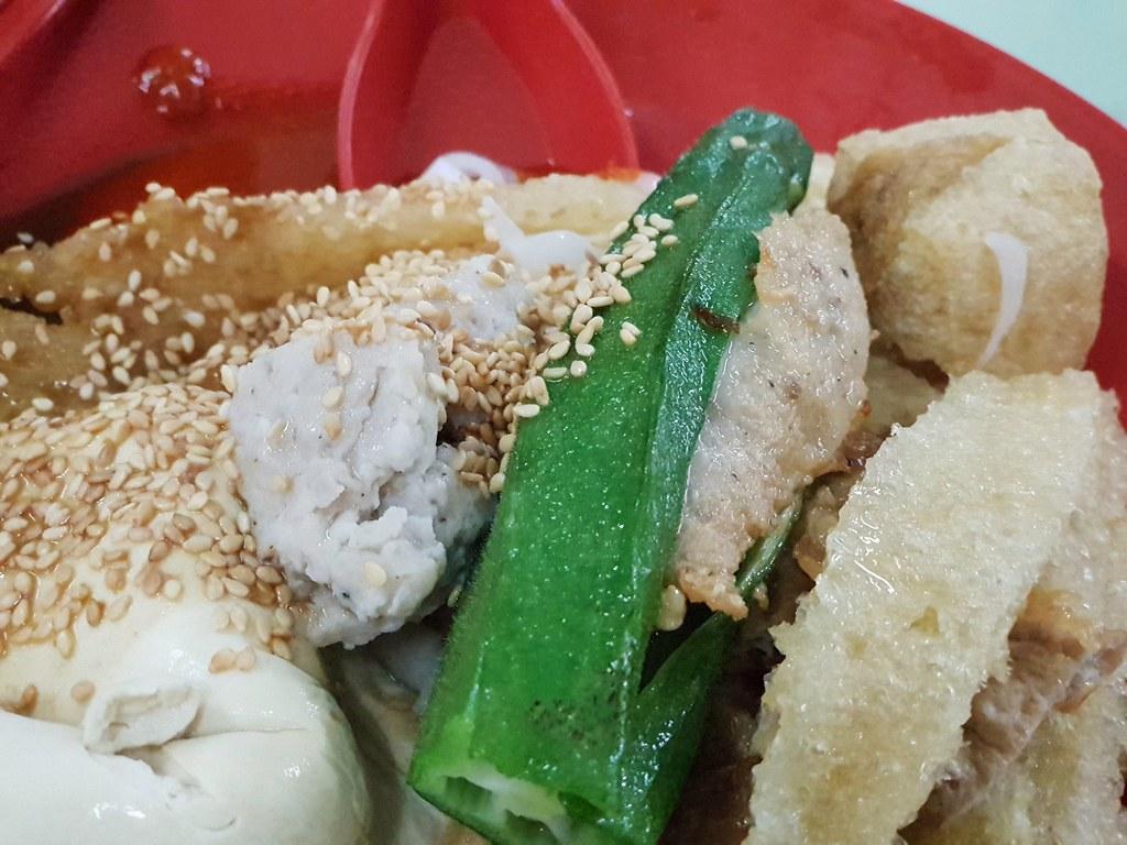 猪场饭酿豆腐 Chee Cheon Fun Yong Tau Foo rm$7.80 & 北紫草 $2 @ Restoran Sun Fatt Kee PJ Seapark