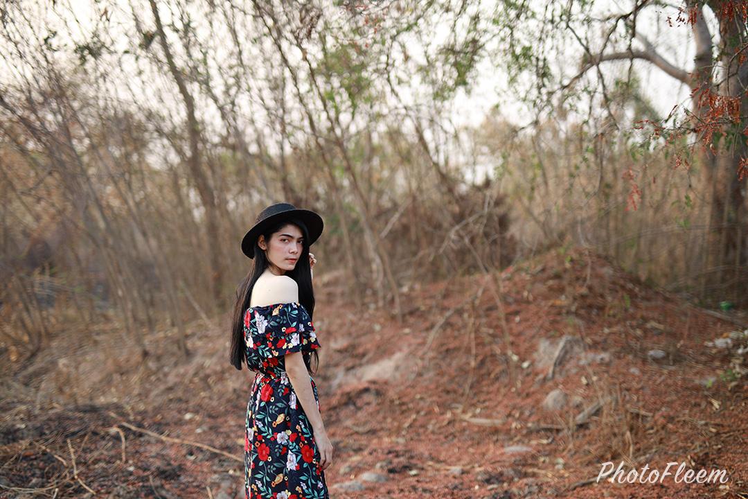 ภาพก่อนแต่ง โทนป่าแห้ง แอพ vsco