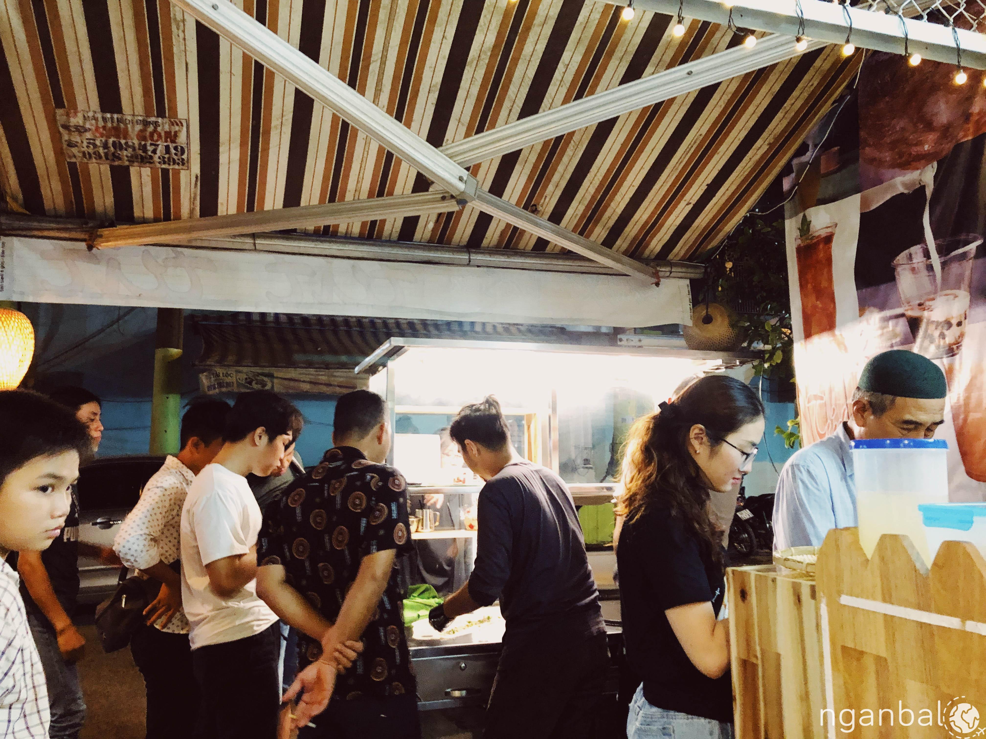 Quán bánh xé Tút Tút Malay ở Nguyễn Trãi