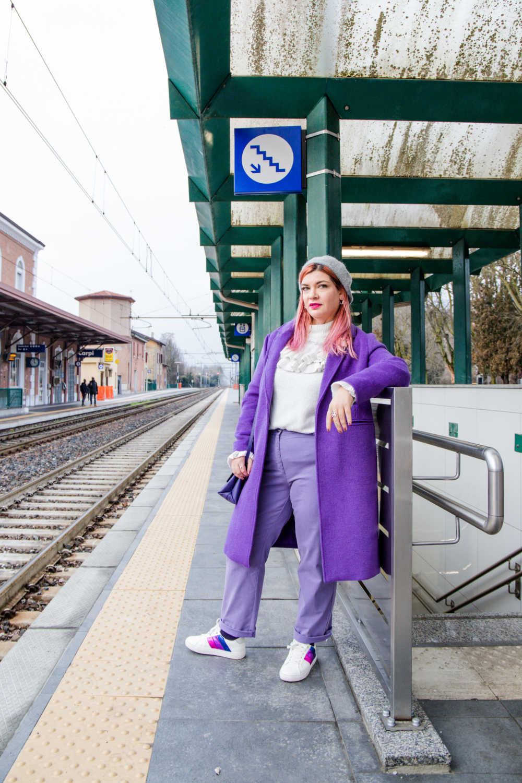 Outfit-curvy-plussize-come-abbinare-colori-particolari-viola-bianco (4)