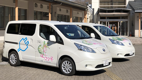福島県いわき市田人地区でボランティア輸送に使われる ほっこり号(日産の電気自動車 e-NV200)