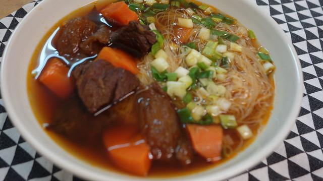 對不到焦牛肉湯XD@良金牧場金門高粱半筋半肉牛肉湯
