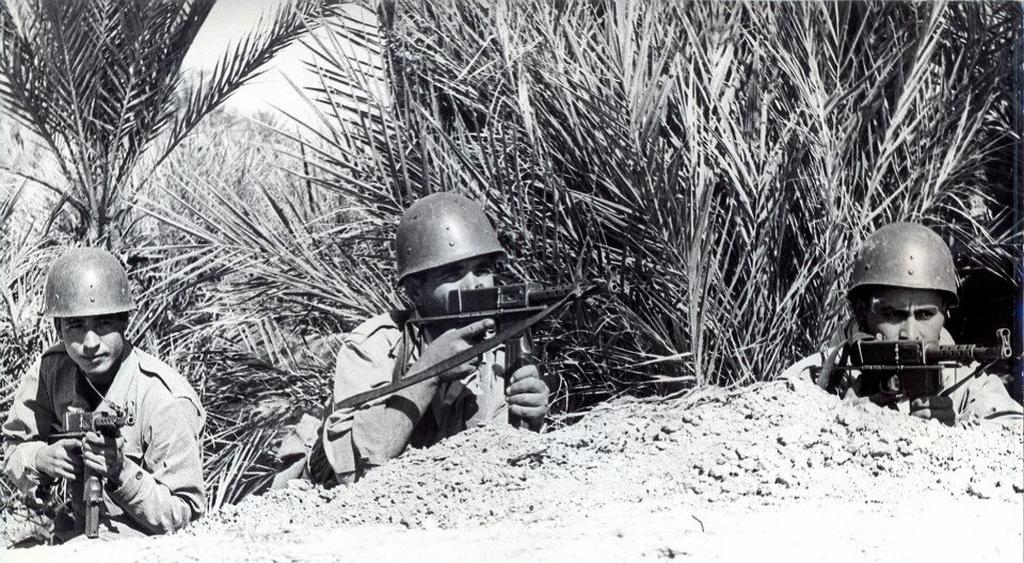 Photos - Guerre des Sables - 1963 - Page 8 46708729224_85173de834_o