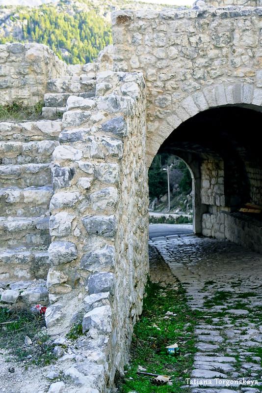 Выход из нижней части крепости