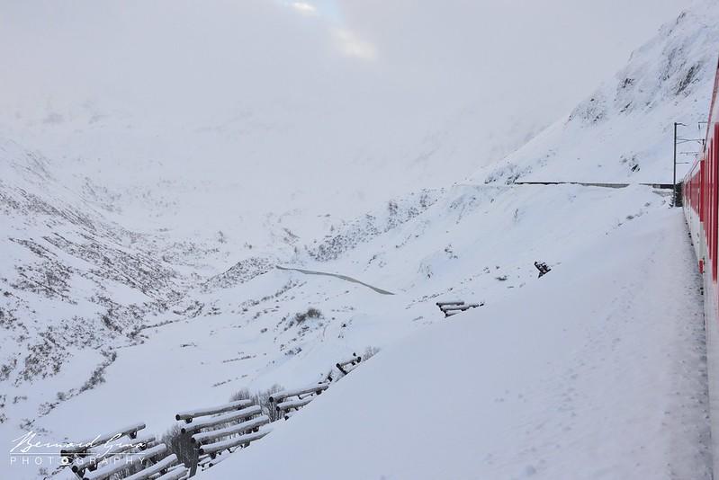 Ultime tronçon vers le col entre Tschamut-Selva et l'Oberalppass, Voyage Bernard Grua - Glacier Express  - Matterhorn Gotthard Bahn