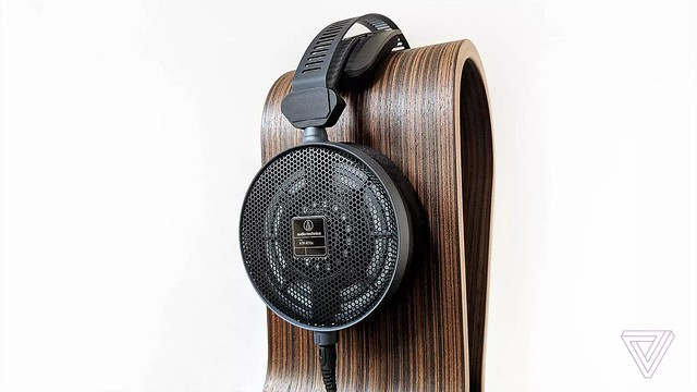audio-technica ATH-R70X 33246909578_cc2f1009b2_z_d