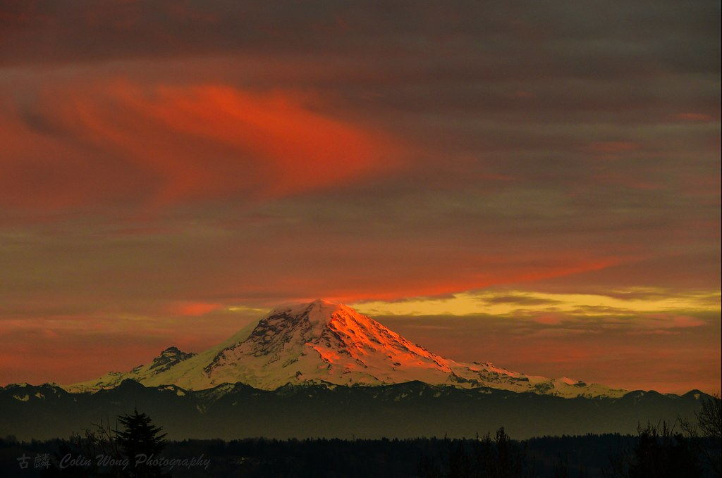 Mt Rainier Sunset 2019-01-30 at 7.58.10 PM