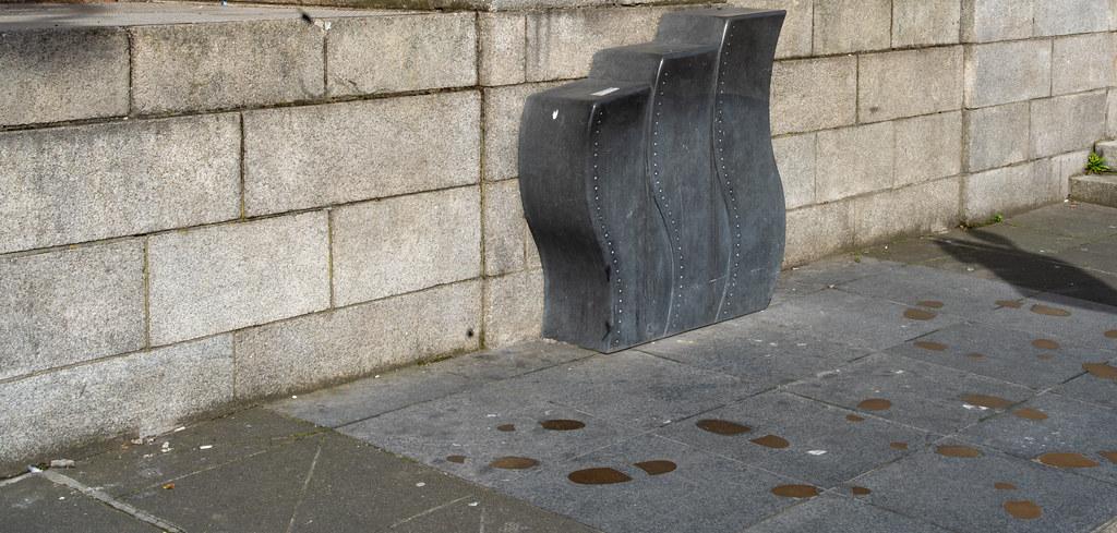 THE MIAMI BAND MEMORIAL - NORTH PARNELL SQUARE DUBLIN   001