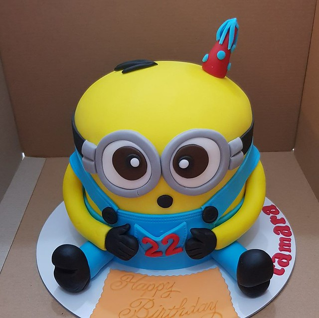 Minion Cake by Tanja Torte