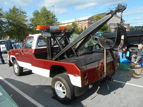 1980 Dodge W-300 Power Wagon Wrecker