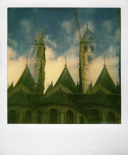 """Cathedrale de Tournai (Test de filtres """"effets speciaux"""" pour Polaroid Spectra)"""