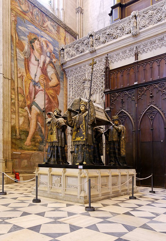 1024px-Sevilla_cathedral_-_tomb_of_christopher_columbus