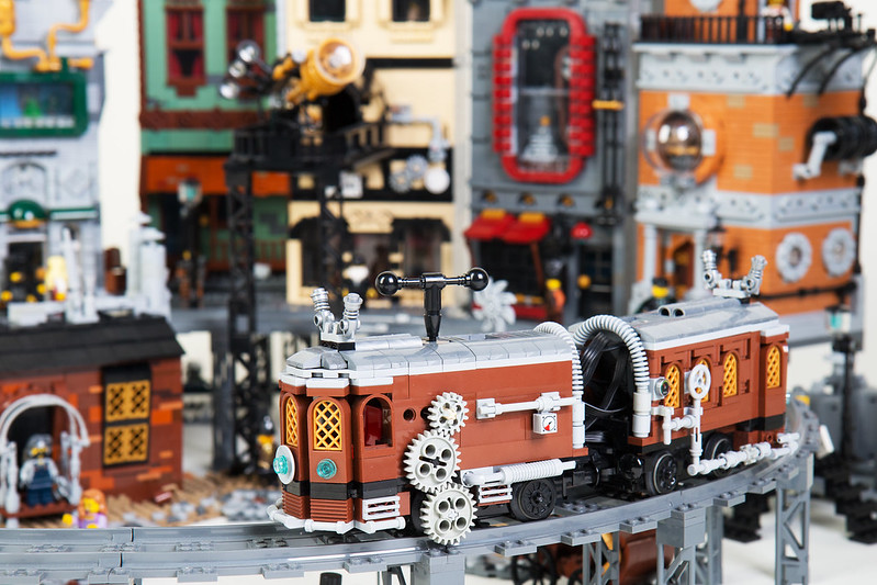 LEGO Steampunk City: Moon City Tram