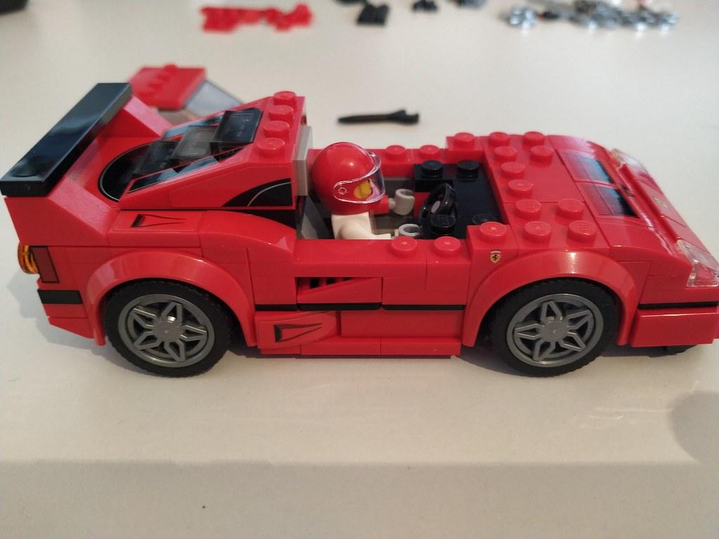 ThebrickReview: 75890 Ferrari F40 Competizione 47306968982_1909738e2e_b