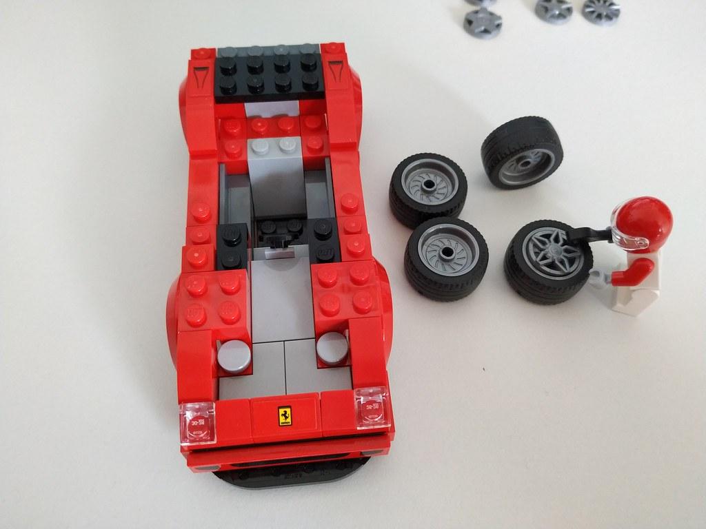 ThebrickReview: 75890 Ferrari F40 Competizione 47359600721_df7d6a2cfd_b