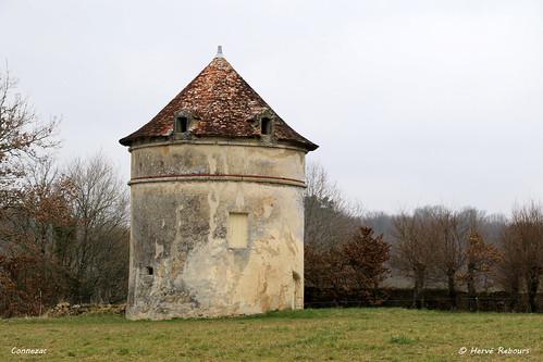 24 Connezac - Pigeonnier Château