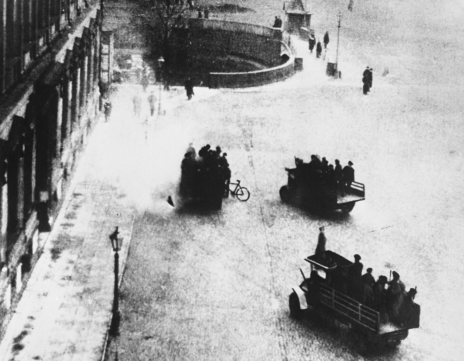 Вид в сторону Синего моста. 1917
