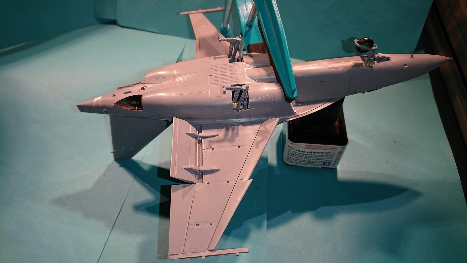 Ett par tumvantar - Yak-130 Mitten - Zvezda 1/48 - Sida 4 32184495727_25a5cdcbaf_h