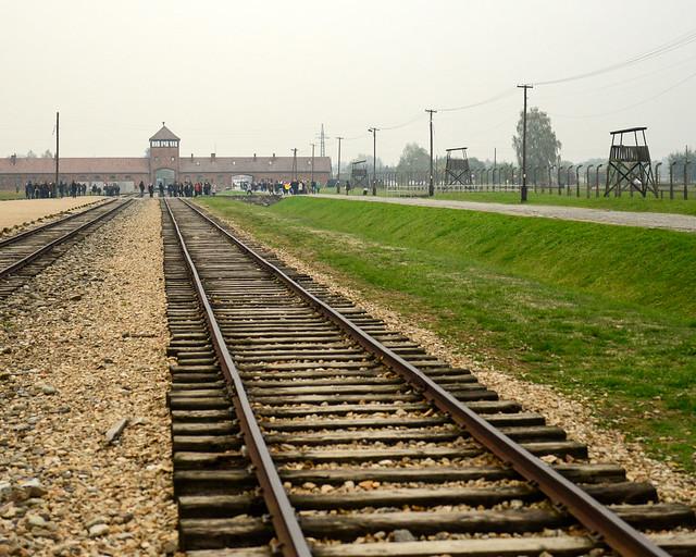 Vias de tren en el campo de concentración de Auschwitz