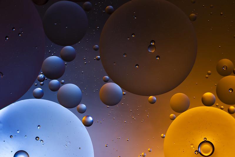 Ref Vs Orange - Oil on Water