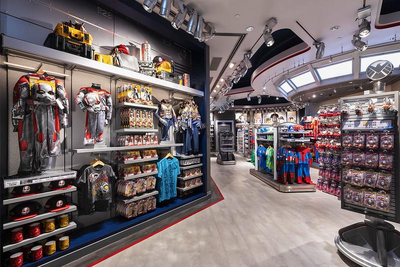 Shop inside 03